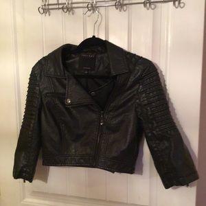 Jackets & Blazers - Beautiful cropped Leather jacket